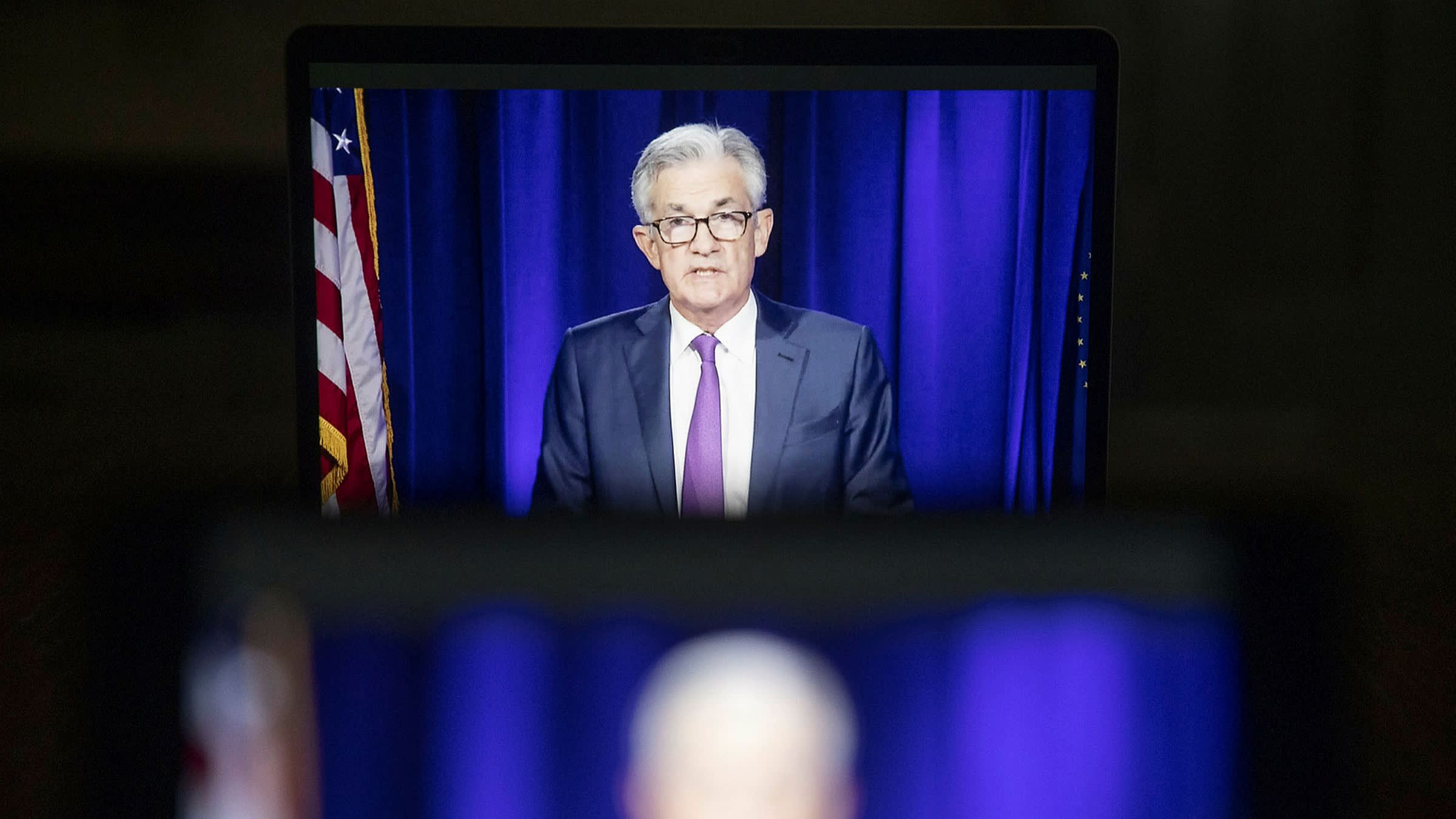 fed officials call for tougher rules to prevent asset bubbles