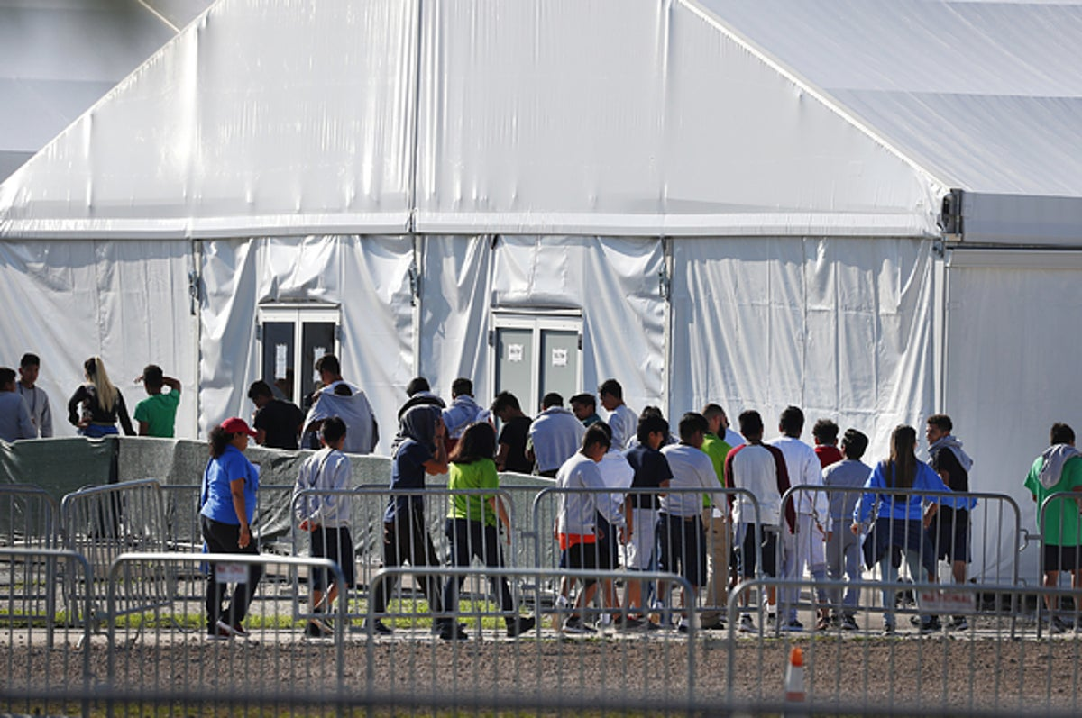 lawyers cant find the parents of more than 500 immigrant children who were separated by the trump administration