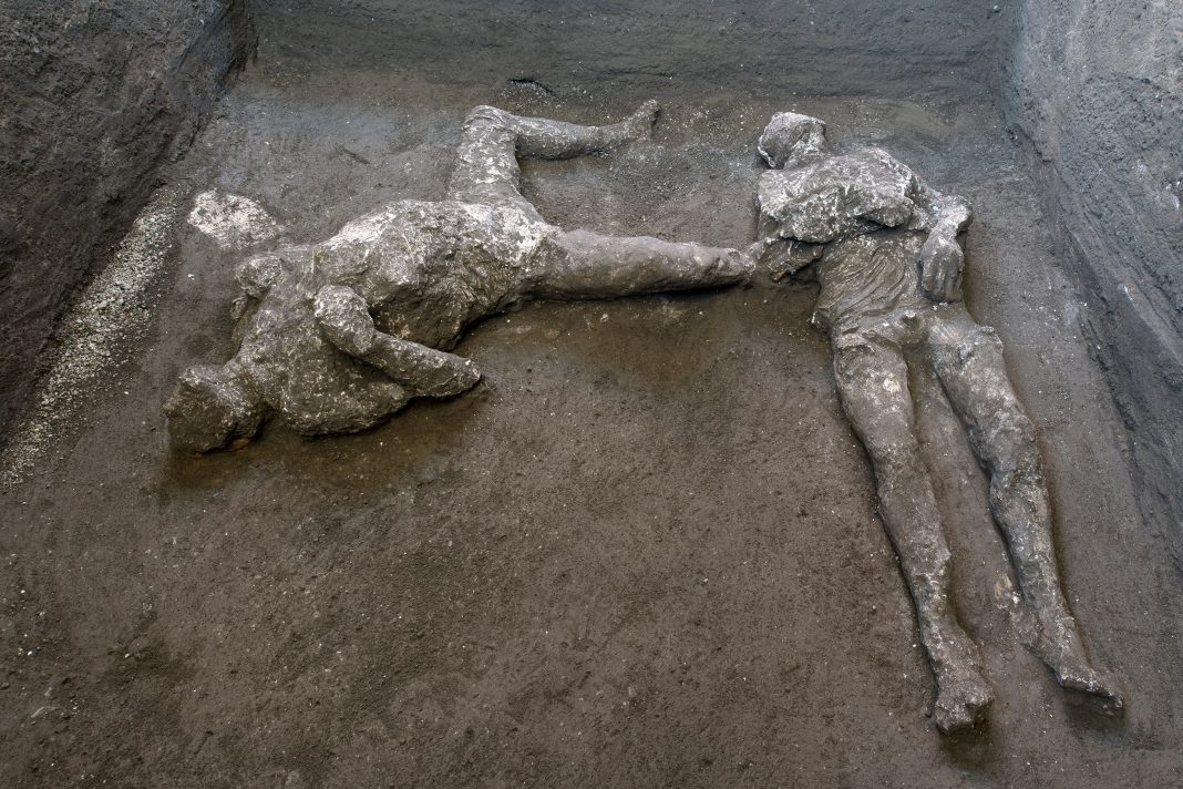 skeletal remains of rich man and slave killed by vesuvius volcanic blast 2000 years ago uncovered in pompeii