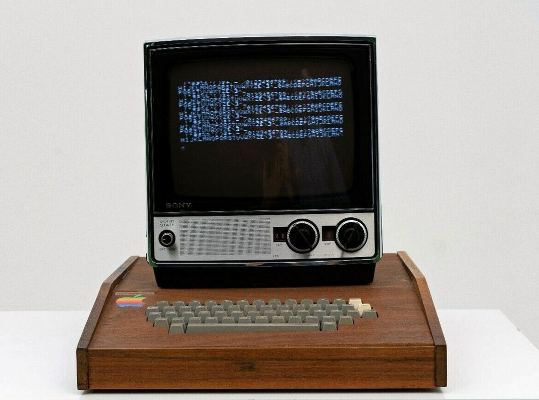 original 45 year old apple computer set to sell for 1 1million